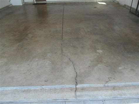 Risse In Bodenplatte by Cracked Concrete Floor Garages Or House Slab Buyers Ask