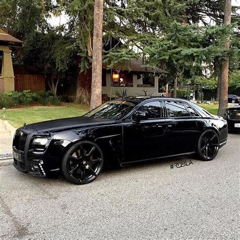 murdered rolls royce wraith murdered out rolls royce photo by rdbmano on ig
