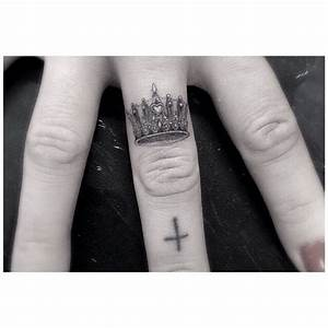 Dr Woo tiny detailed crown finger tattoo | Tattoos ...
