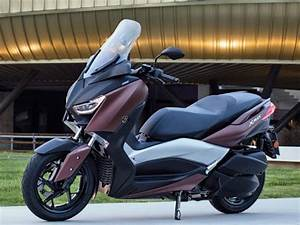 Essai Xmax 300 : yamaha x max 300 2017 2017 votre essai maxitest scooter moto station ~ Medecine-chirurgie-esthetiques.com Avis de Voitures