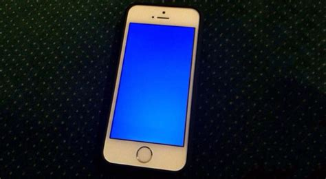 blue screen of iphone 5s delicious irony iphone 5s and ios 7 plagued by blue