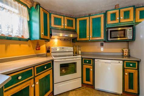 peinture d armoire de cuisine peinturer armoire de cuisine en bois 5 peinture