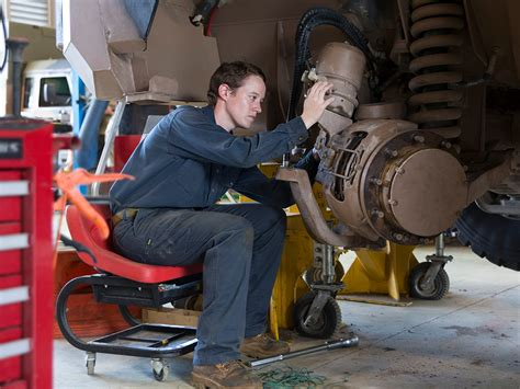 Defence Jobs Australia - Vehicle Mechanic