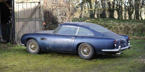 James Bond Aston Martin Db5 Replica