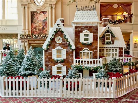 The Disneyland Hotel Christmas Gingerbread House