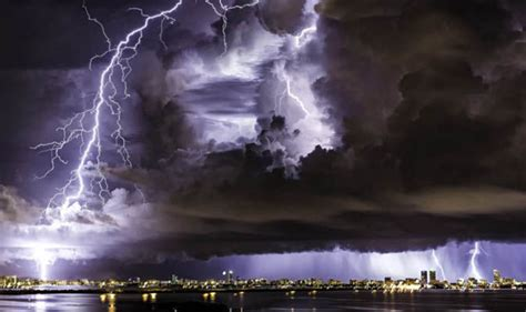lightning storm frightening  show natures power