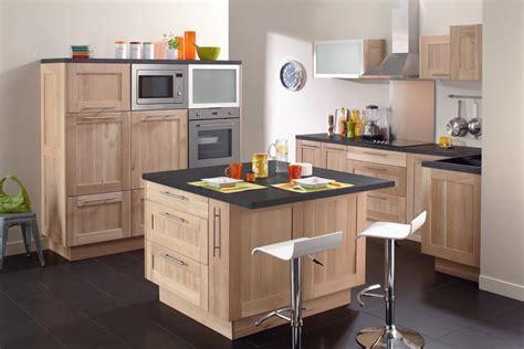 cuisine et d駱endances cuisine blanche mur bleu inspirations et couleur meuble cuisine tendance images megamaster co