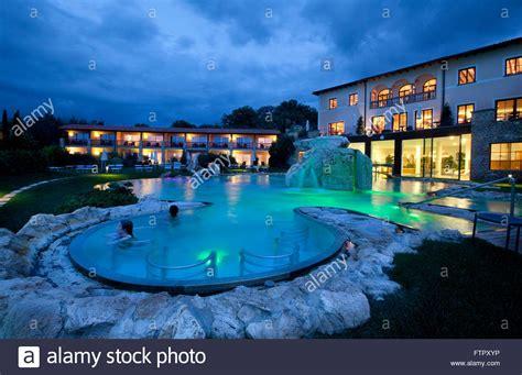 bagno vignoni piscina hotel adler thermae spa relax resort bagno vignoni