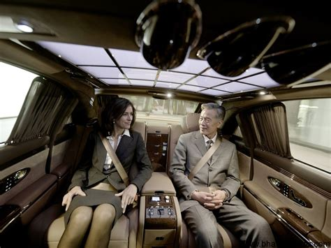 Mercedes pulls plug on loss-making Maybach