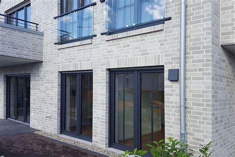 Moderne Häuser Mit Klinker by R 246 Ben Klinker Aarhus Wei 223 Grau Fassaden En 2019 R 246 Ben