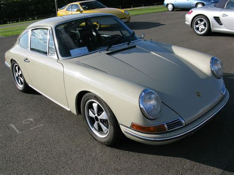 What colour is this 912? - Page 1 - Porsche General ...