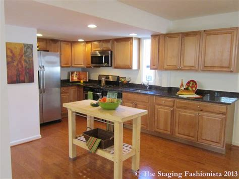 kitchen staging ideas 17 best images about home staging ideas on pinterest furniture houses sold and living rooms
