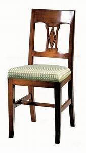 Sedia in noce, seduta imbottita, in stile classico IDFdesign