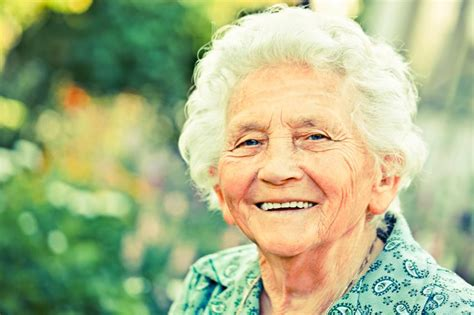Elderly Hairstyle Pictures [slideshow]