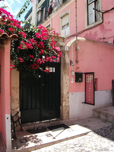 alfama patio hostel lisbon alfama patio hostel lisbon portugal reviews hostelz