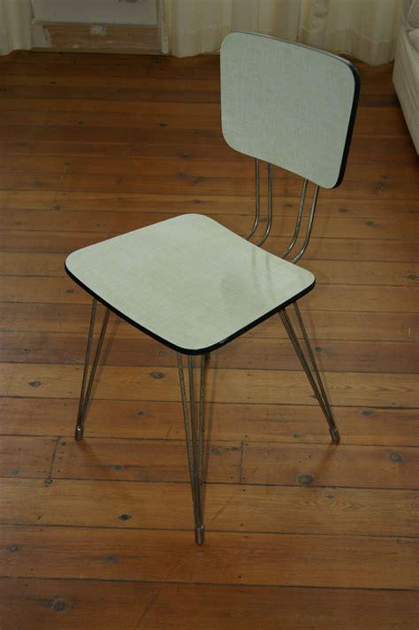 chaise en formica chaise en formica pieds eiffel vintage goldies
