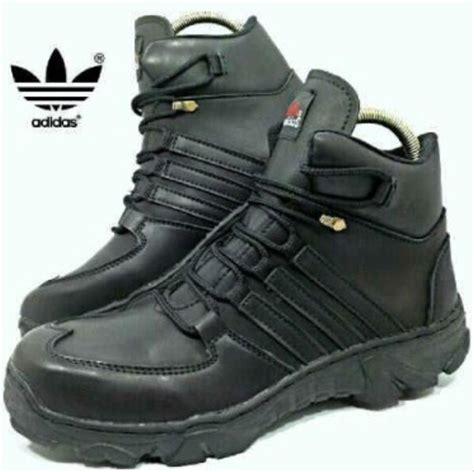 jual sepatu tracking adidas boots safety coklat hitam