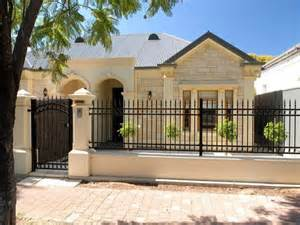 Tip Selecting Good House Fence 4 Home Idea The Dramatic Fence Designs For Your Front Yard