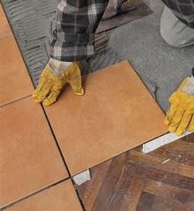 comment poser du carrelage sur du parquet marie claire With comment peindre une sous couche