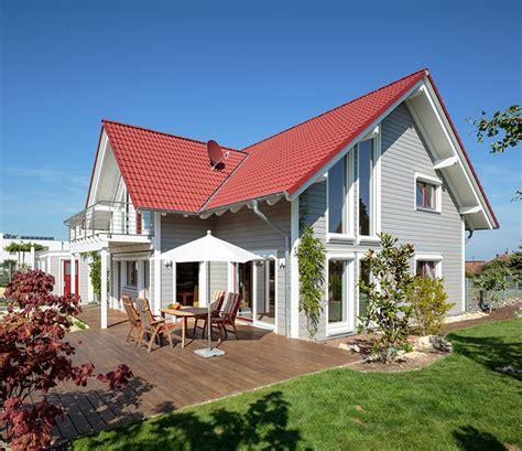 Giebel Haus Klassisches Drei Giebel Haus Mit Charme Holzhaus