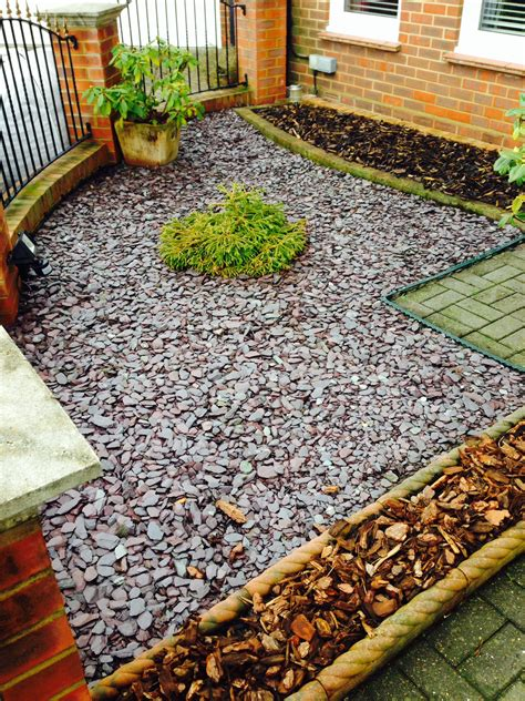 using bark chippings in garden 40mm plum slate chippings oakley turf farm