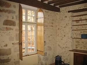 comment installer des volets interieurs bricobistro With volet battant interieur en bois