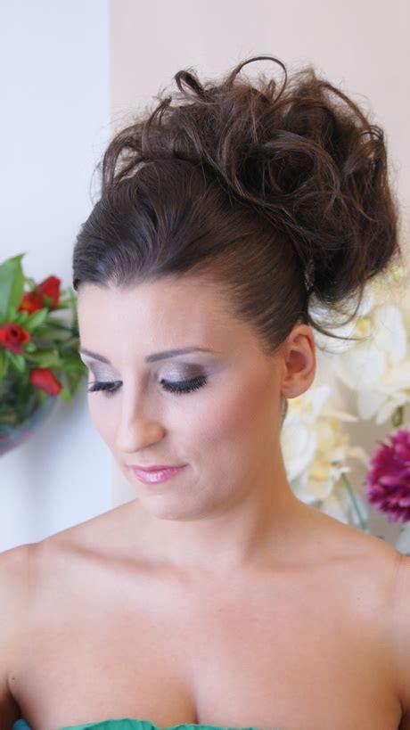 coiffure mariage chignon haut