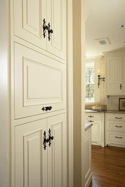 Kitchen Cabinet Hardware Minneapolis by Casa Verde Design Traditional Kitchen Minneapolis