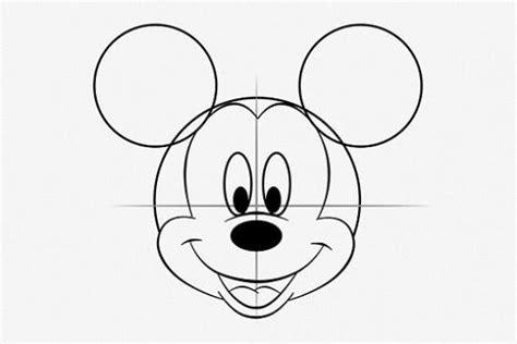 3 patrones de mickey mouse para dibujar y una para colorear