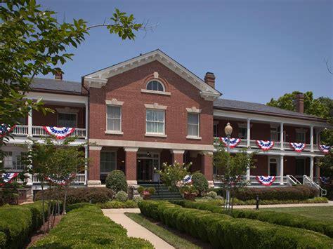 fort va housing ihg army hotels wainwright historia collection on