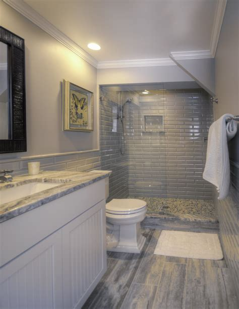 Flooring vents, baseboard, cabinets, and the aforementioned toilets are all things that can cause you major headaches in a bathroom. Bathroom Glass Tile Mosaics & Marble Tile Northern Virginia | Conestoga Tile