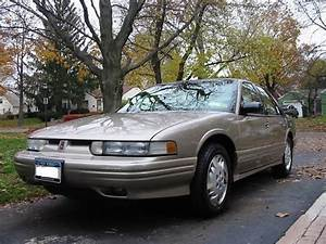 Italia10588 1996 Oldsmobile Cutlass Supreme Specs  Photos