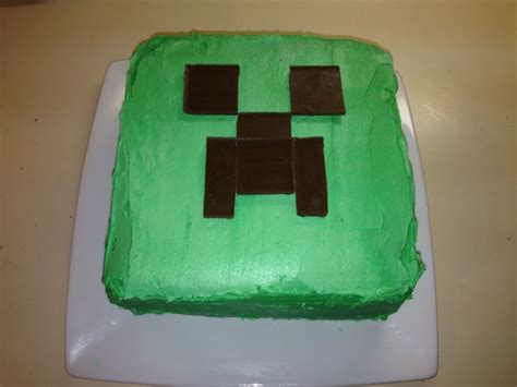 minecraft creeper cake here s the minecraft creeper cake i made for my s