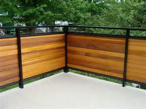 dek rail horiztonal cedar full and semi privacy deck