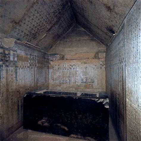 l interieur d une pyramide l egypte encienne
