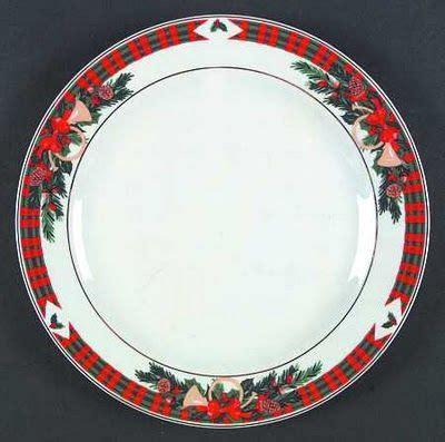 images  yuletide dishes china  pinterest