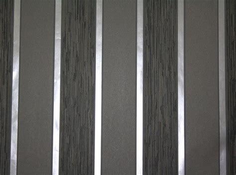 Tapeten Schwarz Weiß Gestreift by Gestreifte Tapete Grau Wohnideen