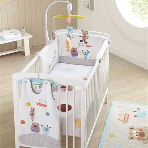 stickers savane chambre bébé tour de lit bébé p 39 doudous domiva animaux