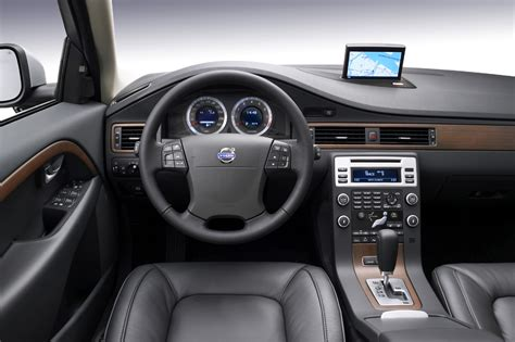 how things work cars 2011 volvo s60 seat position control 2008 10 volvo v70 consumer guide auto