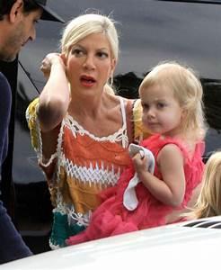 Tori Spelling Takes Her Kids To A Ballet Class | Celeb ...