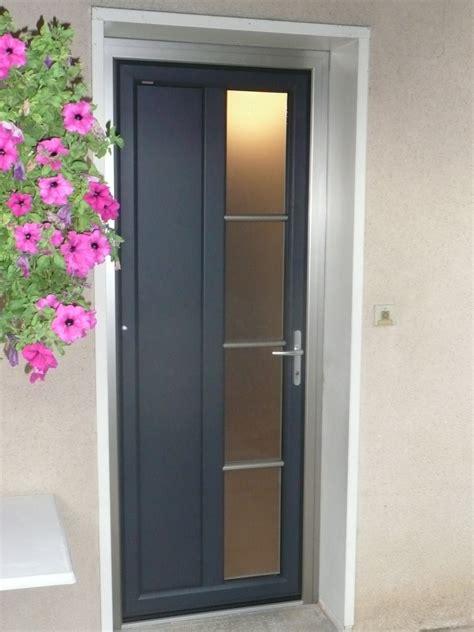 porte d entree isolante installateur de porte d entr 233 e pvc aluminium isolante s 233 curisante gr 226 ce au vitrage retardataire