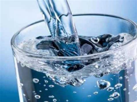 glass water pitcher with filter ejemplos y diferencias principales entre sólidos y