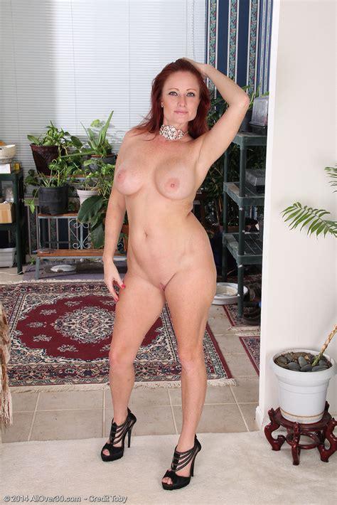 Shelly Jones Teases And Eventually Strip Naked MILF Fox