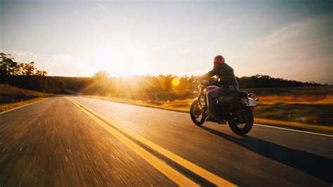 Rollerblading Photographer Takes Motorcycle Photo Shoot To
