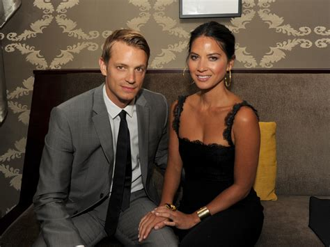joel kinnaman y su esposa joel kinnaman photos film independent s 2012 los angeles