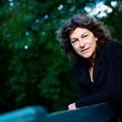 Florence Arthaud à l'encre de ses livres - Gala