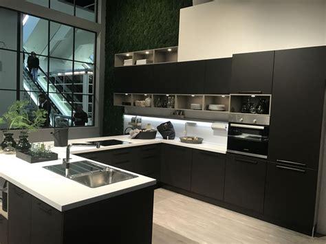 popular kitchen layouts  choose     remodel
