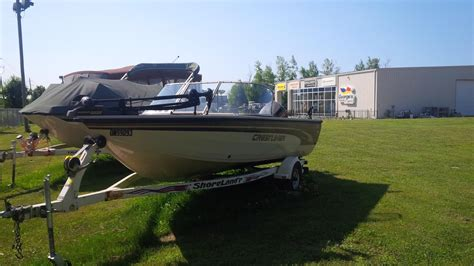 Crestliner Boats Ontario Dealers by Crestliner Hawk 1700 2000 Used Boat For Sale In