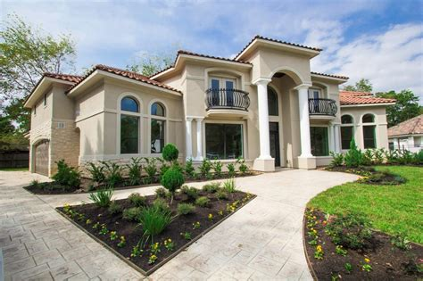 Luxurious Open Air Home Built For Two by Listings Beth Ferester