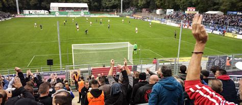 Gegen die klassentiefere alemannia fanden die rechtsrheinischen ordentlich in die partie und gingen verdient in führung. FC Viktoria Köln vs. SV Waldhof Mannheim ...